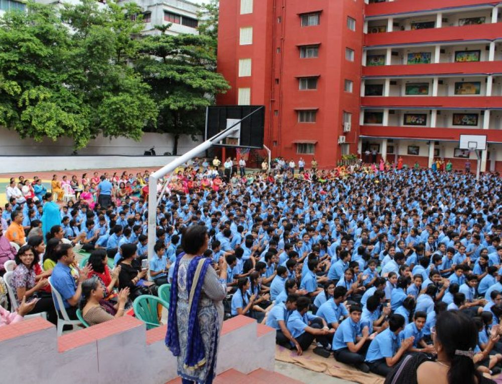 10K students put up impressive performance at yoga contest